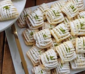 طرز پخت قرابیه سیب حصیری لذیذ و دلنشین