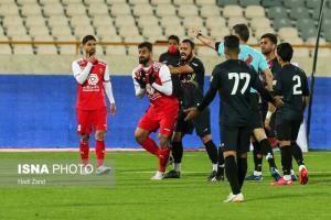 بزن بهادرهای فوتبال ایران/ حقوق میلیاردی، رفتار خیابانی!
