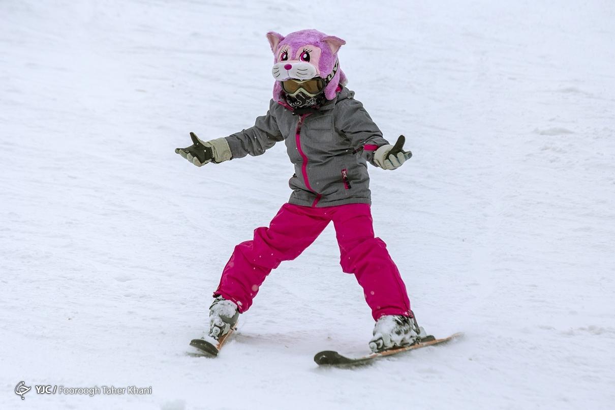 عکس/ ورزشهای زمستانی پیست اسکی دیزین
