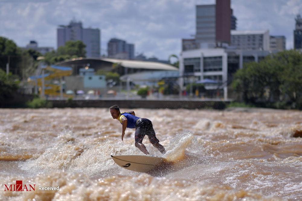 موج سواری در رودخانه برزیل