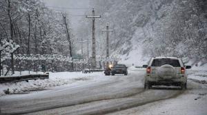 بارش برف در محورهای مواصلاتی اردبیل