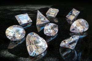 دانستنی ها/ علت درخشیدن الماس را بخوانید