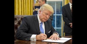 نامه ترامپ برای بایدن روی میز کاخ سفید