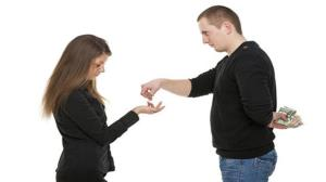 مصائب ازدواج با آدم خسیس