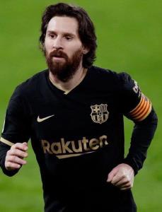 مسی و رونالدو با ریش و موی بلند!
