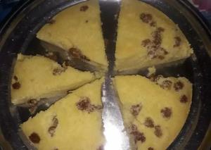 آموزش تهیه کیک کشمشی ساده