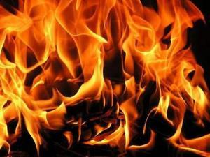 بخاری نفتی منزلی را به آتش کشید