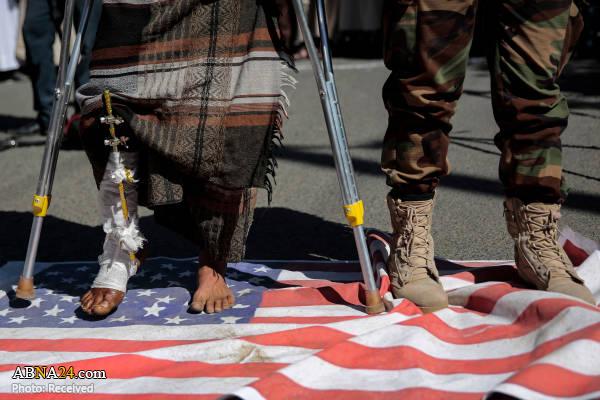 تظاهرات مردم یمن مقابل سفارت آمریکا در صنعاء