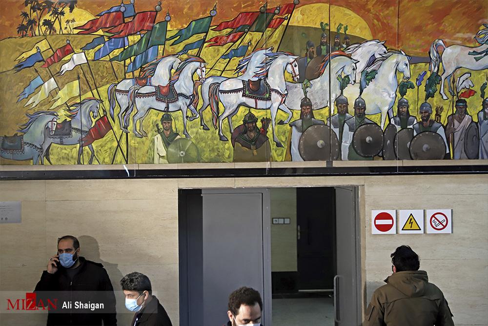 رونمایی از تابلو نقاشی ظهر عاشورا در ایستگاه متروی تهران