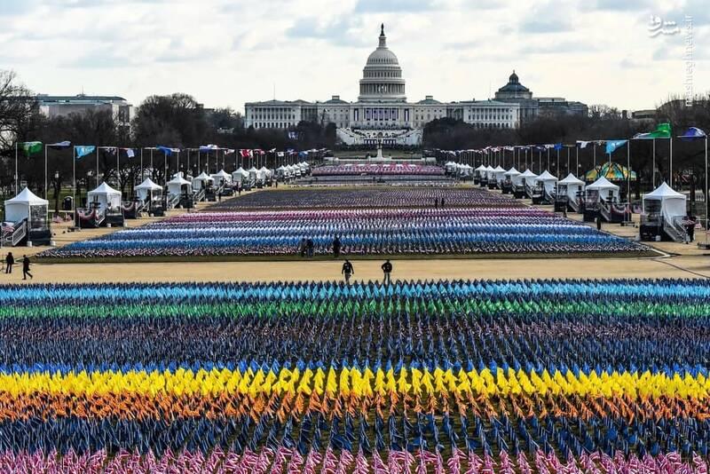 عکس/ پرچم به جای افراد در مراسم تحلیف بایدن