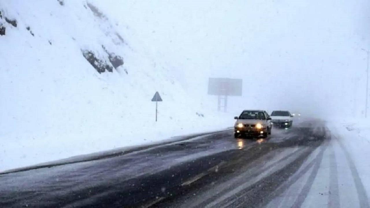 بارش برف جادههای البرز را مسدود نکرد