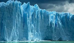 فرو ریختن ترسناک کوه یخی!