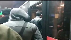 رعایت نشدن فاصلهگذاری اجتماعی در اتوبوسهای تهران
