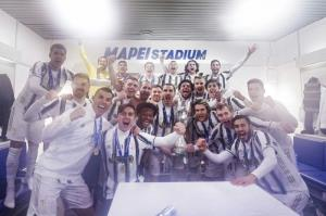 خوشحالی بازیکنان یوونتوس در رختکن و فریاد رونالدو!