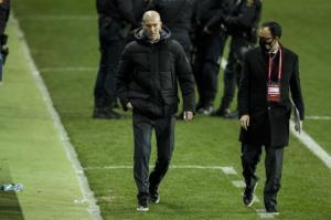 بازیکنان رئال مادرید شوکه از برخورد زیدان