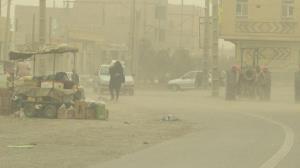 گرد و غبار گسترده در راه سیستان و بلوچستان؛ دید افقی به شدت کاهش مییابد