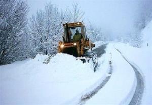 برف جاده ارتباطی بیش از ۱۵۰ روستای مشگینشهر را مسدود کرد