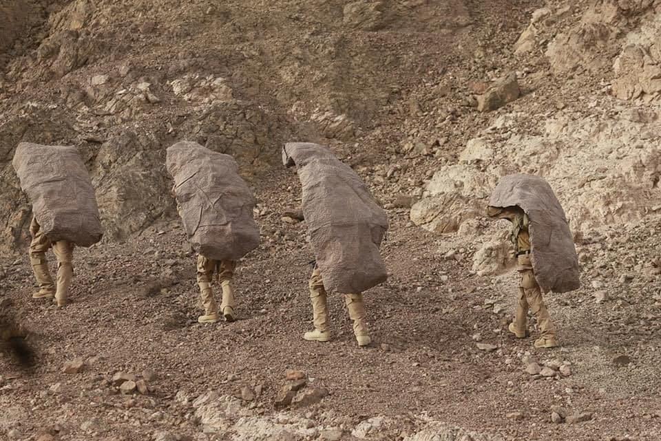 عکس/ سربازهای صهیونیستی استتار کرده شکار دوربین ها شدند!