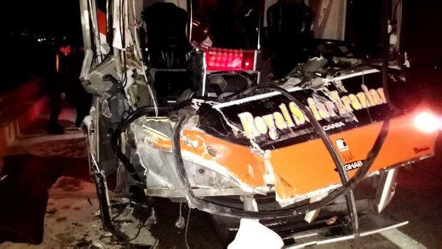 واژگونی اتوبوس ۱۶ کُشته و زخمی برجای گذاشت