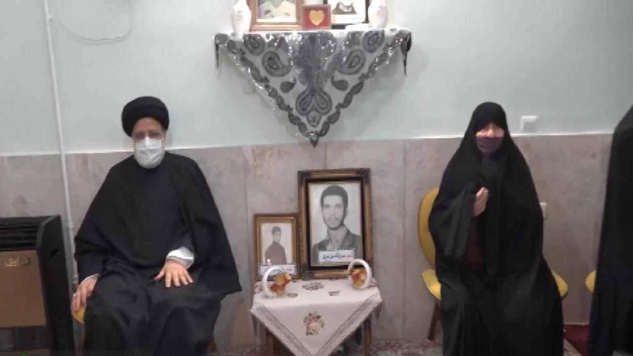 دیدار رئیس دستگاه قضا با خانواده شهدا طاهری و فردوسیان