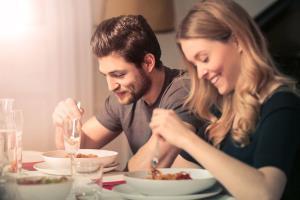 محققان می گویند نخوردن شام باعث چاقی می شود!