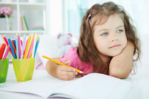 ۹ راز تربیت کودک شاد؛ چگونه کودکی شاد تربیت کنیم؟