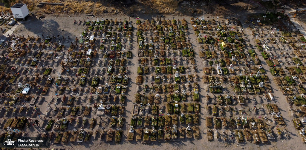 قبرستان قربانیان کووید 19 در وال د چالکو، مکزیک