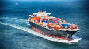 عظمت یک کشتی تجاری از نگاه مسافران کشتی مجاور