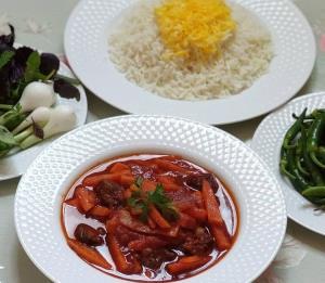 طرز تهیه خورشت هویج غذایی بینظیر از شهر تبریز