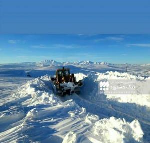 عکس/ نمایی از ارتفاع برف در منطقه سهند آباد هشترود