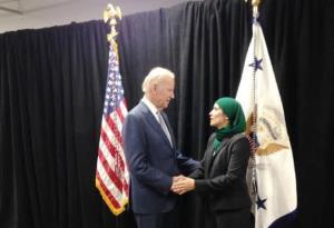 بایدن به یک زن مسلمان پست مهمی می دهد