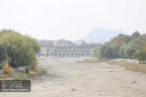 آلودگی هوای اصفهان روزهای ۸ و ۹ بهمن شدیدتر میشود