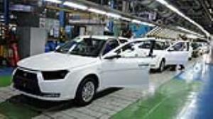 چرا خودروهای داخلی همراه با دلار گران میشوند؟