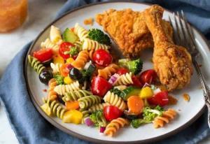 پاستا مرغ با طعم سبزیجات سالم و بسیار خوشمزه
