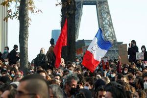 تظاهرات گسترده فرانسویها در پاریس
