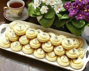 آموزش شیرینی سنتی آب دندون؛ نان برنجی شمالی ویژه مناسبت ها