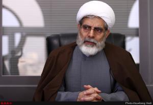 روحانی اصلاحطلب: با لباس روحانیت تیشه به ریشه دین نزنیم