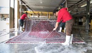 قیمت شستوشوی هر مترمربع فرش بین ۱۰ تا ۲۴ هزار تومان است