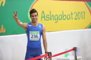 واکنش سریعترین مرد ایران به رقابت با چغرهای بد بدن!