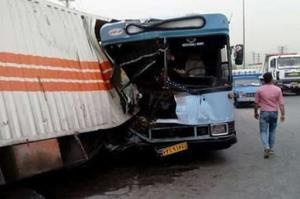 عکس/ برخورد اتوبوس با کامیون در شهر ری