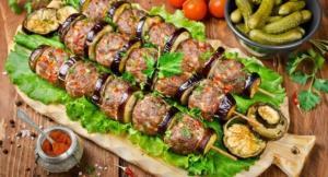 غذای ملل/ طرز تهیه پاتلیجان کباب غذای محبوب و پرطرفدار  ترکیهای