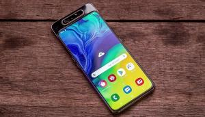 اولین گوشی 5G مجهز به دوربین پاپآپ متعلق به سامسونگ است