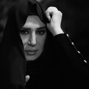 مراسم خاکسپاری همسر نسیم ادبی همراه با دف نوازی