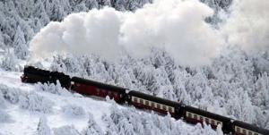 قطار مسافربری در هشترود یخ زد!