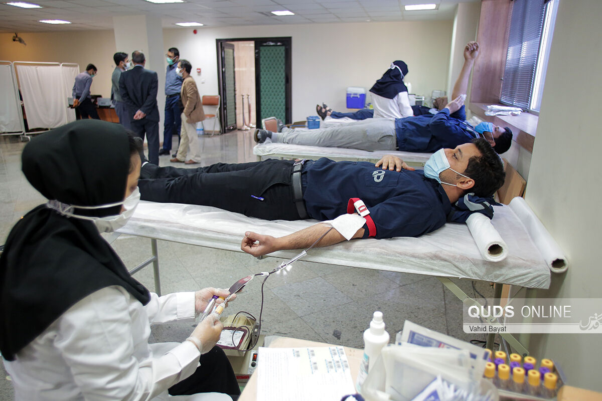 عکس/ اهدا خون به نیت شهدا