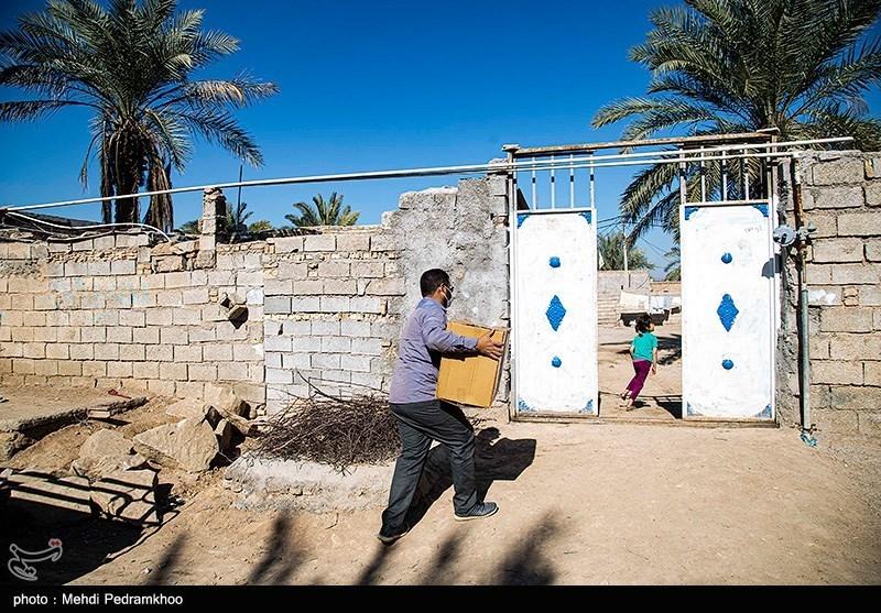 عکس/ توزیع بسته های معیشتی در مناطق کم برخوردار شهر اهواز