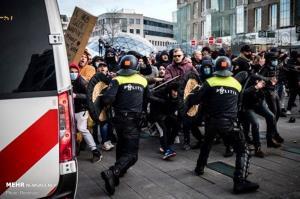 اعتراضات کرونایی مردم هلند در شهرهای  آیندهوفن و آمستردام