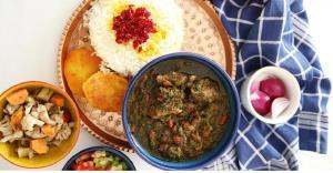 ترفند تهیه قرمه سبزی با رب گوجهفرنگی ؛ یک غذای اصیل ایرانی