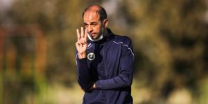 نویدکیا: وقت تلف کردن و درگیری 2 نیمکت فوتبال جهان سومی است