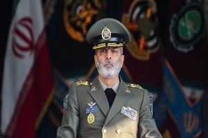 فرمانده کل ارتش به سرلشکر فیروزآبادی تسلیت گفت